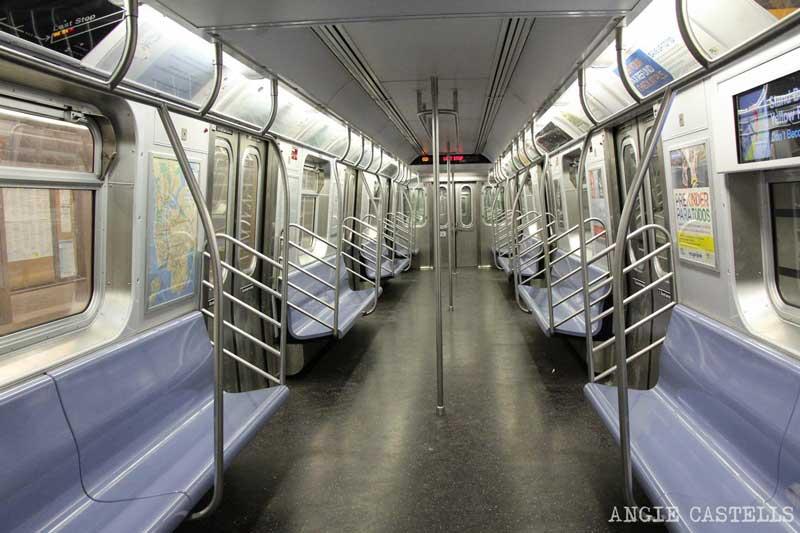 Cómo usar el metro de Nueva York: los vagones por dentro
