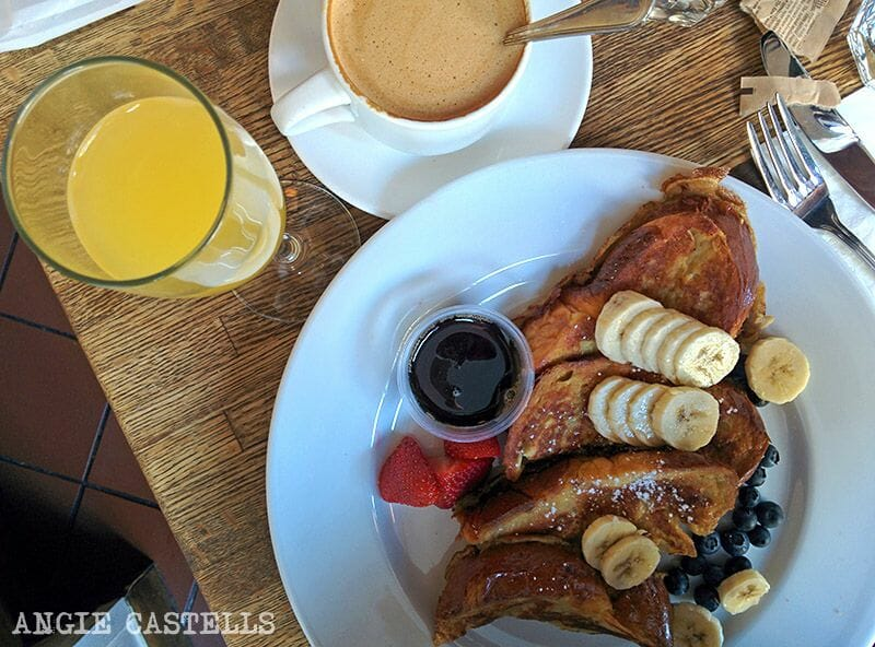 Bebidas del brunch en Nueva York: Mimosa y French Toast