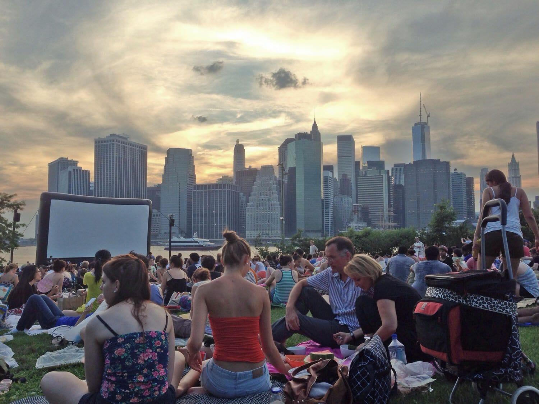 Cine al aire libre en Nueva York Brooklyn Bridge Park