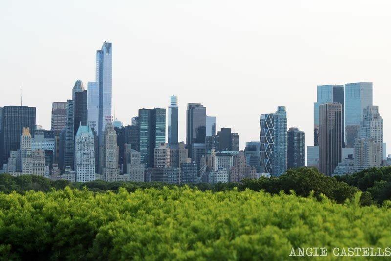 El rooftop del Met y la Hearst Tower, en Columbus Circle