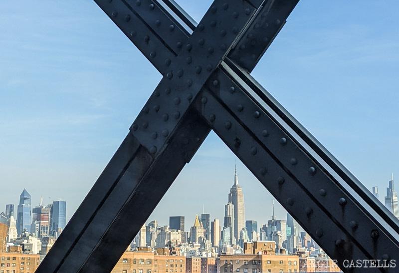 Cruzar el puente de Williamsburg - Vistas del Empire State Building