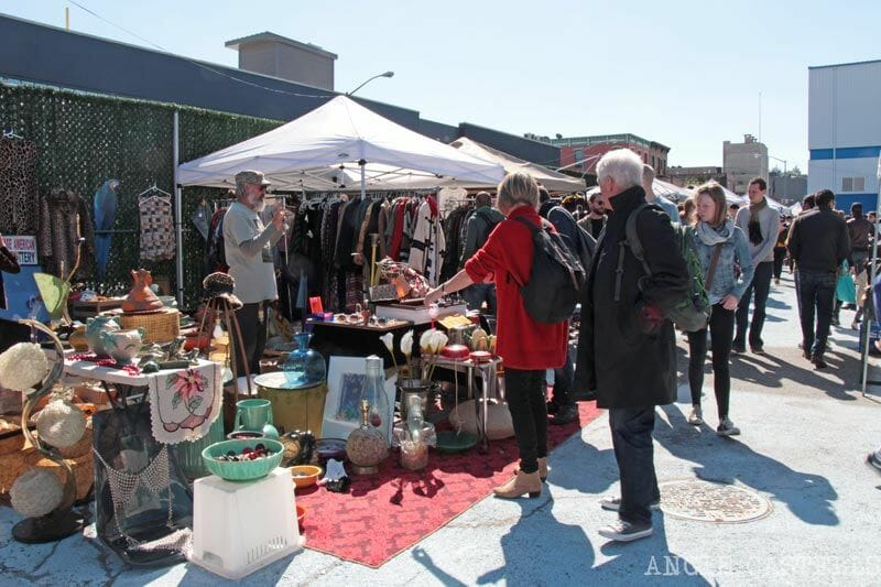 Flea-Market-Williamsburg-antiguedades