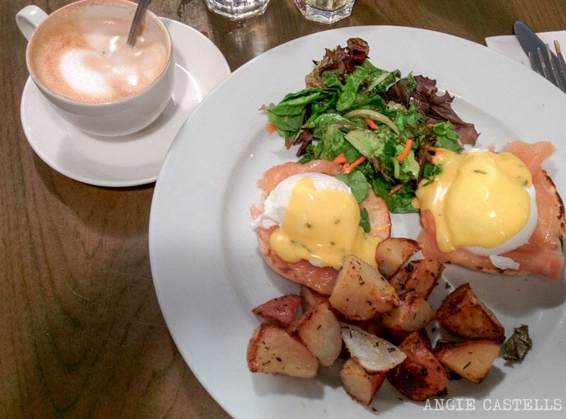 El brunch en Nueva York: Eggs Benedict en Cafe Mogador