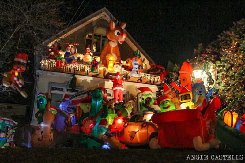 Visitar las luces navideñas de Dyker Heights, en Nueva York