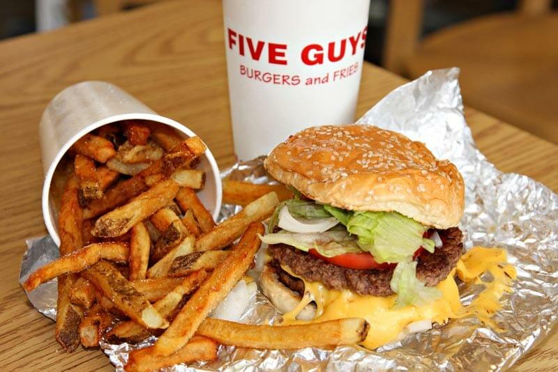 Dónde comer barato en Nueva York: la hamburguesería Five Guys