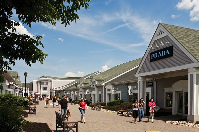 Excursiones-Nueva-York-Tour-outlets-Woodbury-Commons