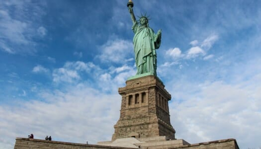 Visitar la Estatua de la Libertad (y subir a la corona)