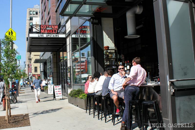 Comer en Nueva York mercado Gotham West Market-7