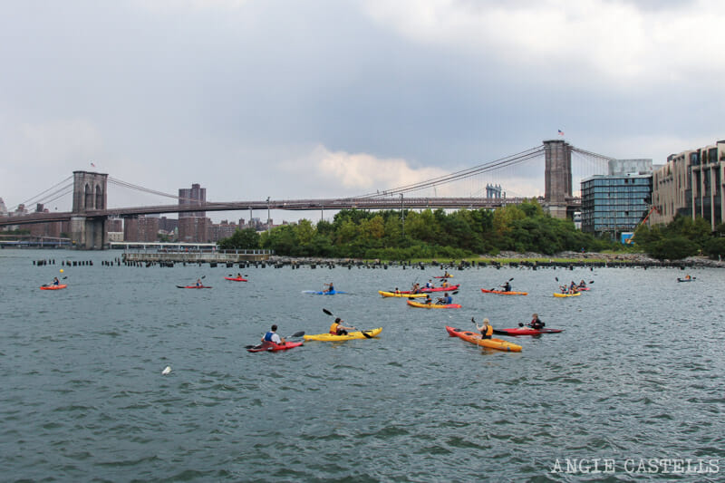 Kayak gratis en Nueva York - East River y Brooklyn Bridge Park