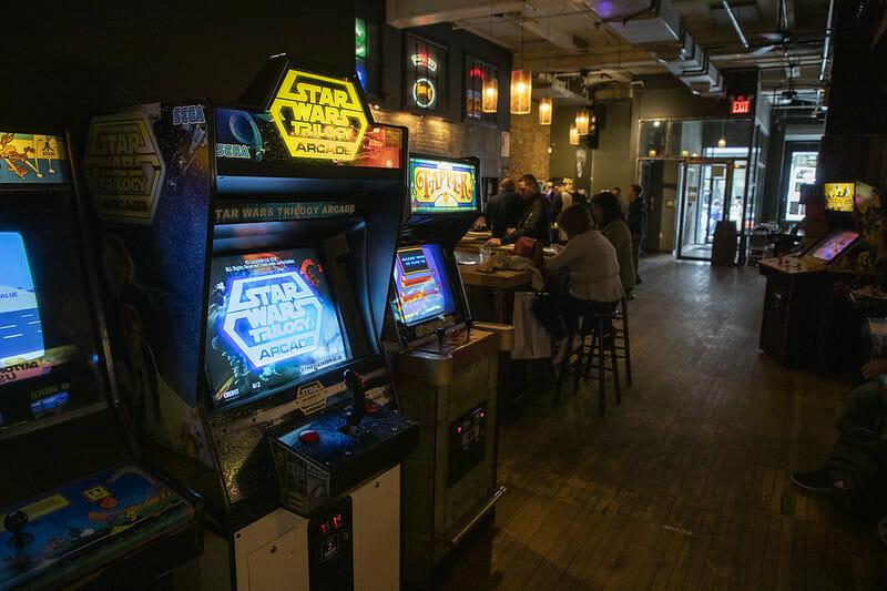 Bares de Nueva York con juegos - Barcade
