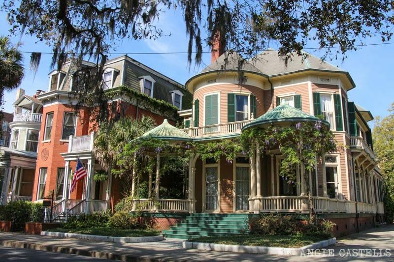 Guia de Savannah que ver y hacer Forsyth Park mansiones