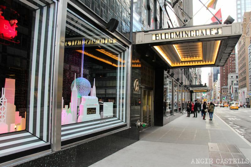 Las mejores decoraciones y escaparates navideños de Nueva York - Bloomingdales
