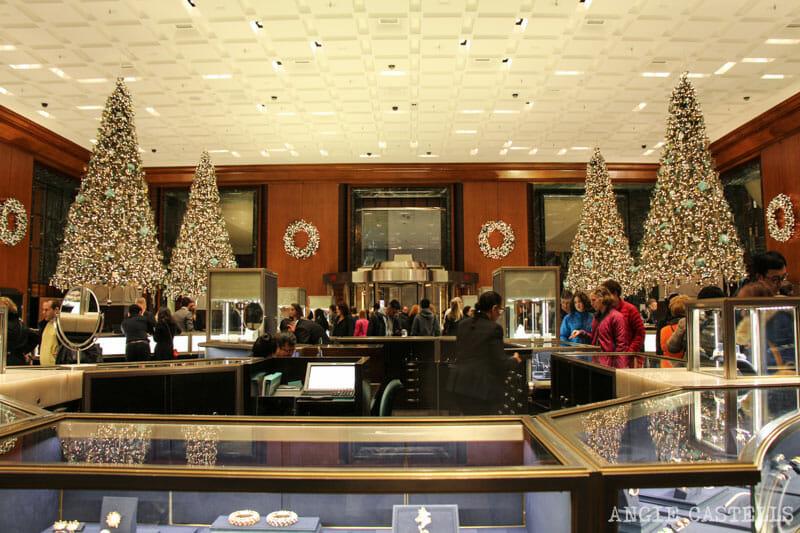 Las mejores decoraciones y escaparates navideños de Nueva York - Tiffanys