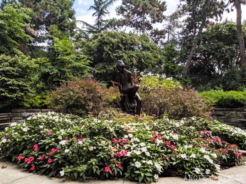 La estatua de Peter Pan de Nueva York en el Carl Shurz Park