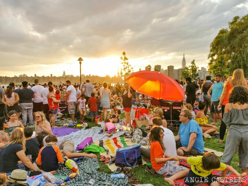 Celebrar el 4 de julio en un parque en Nueva York