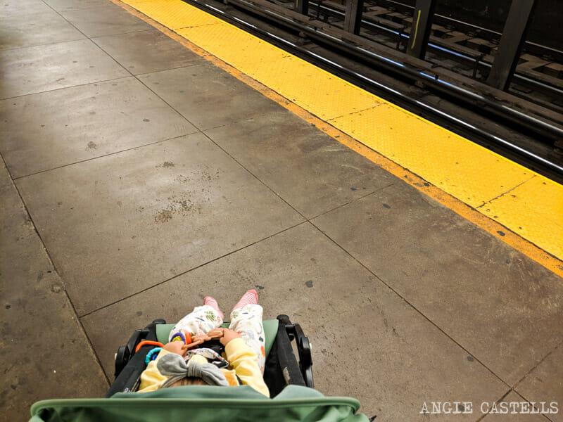 El metro de Nueva York con un bebé y con niños