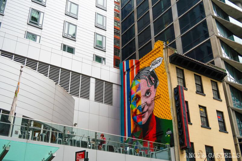 Mural de Roy Liechtenstein de Kobra en Nueva York