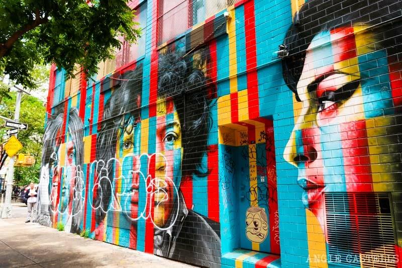 Mural del Club de los 27 de Kobra en el Lower East Side