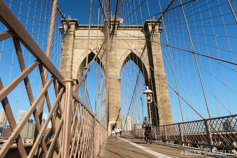 Cruzar el puente de Brooklyn en bici
