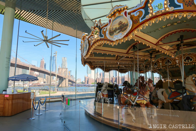 Carruseles de Nueva York - Janes Carrousel, en Dumbo, Brooklyn