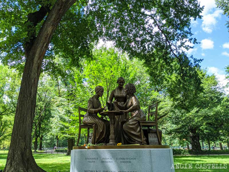Estatua de las sufragistas en Central Park - Womens Rights Pioneers Monument