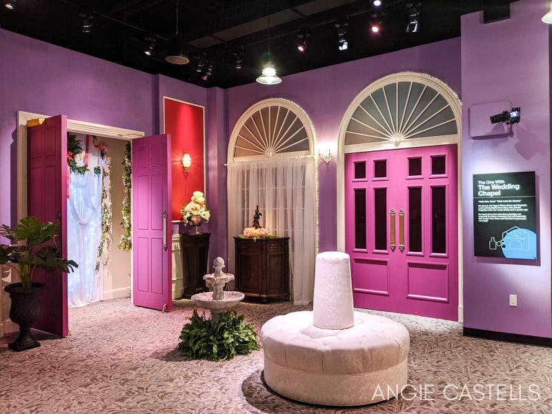 La capilla de Las Vegas donde se casaron Ross y Rachel en la exposición de Friends en Nueva York