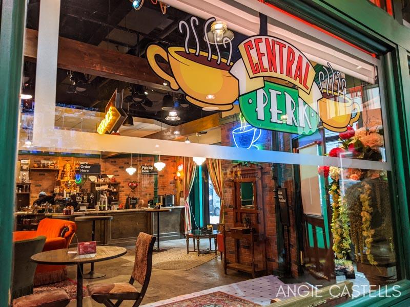 La cafetería Central Perk en The Friends Experience